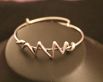 Alex and Ani heartbeat braclet