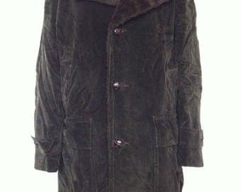 Vintage Mens House of Peerless Fur Lined Green Corduroy Long Trench Coat Jacket / Size 40
