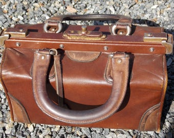 French antique leather Gladstone Doctors bag