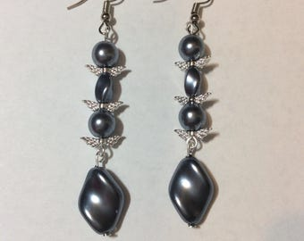 "Earrings ""Anthracite Chips and its pearls"""