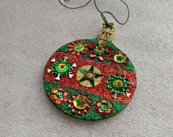 Round Ornament 10
