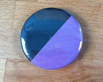 Anarsha-feminist flag badge