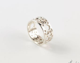 """Ring in Silver """"Meteors BA1"""" width 8 mm - by IrisBiu. Jewelry handmade in France. Several sizes."""