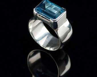 Women's 925 Sterling silver ring with Blue Topaz