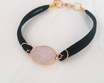 Leather bracelet with rose quartz