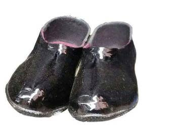 Comfortable black shoes (galoshes) Made of rubber. Very warm and do not get wet