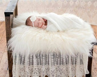 Newborn bed photo prop