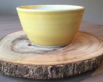 Yellow & White Medium Bowl