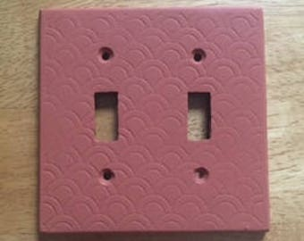 Scalloped light switch cover
