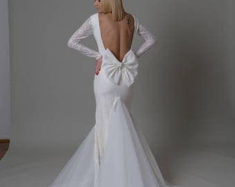 Gorgeous mermaid lace with tulle wedding dress, V-neck backless, sleeves