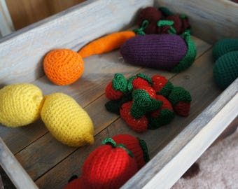 Knitted fruits and vegetables