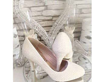 Hand Customised Wedding shoes Pearl Heels, Bridal Shoes, Bride, Ivory Vintage shoes