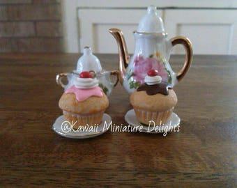 Super Sweet Cupcake Charm - Strawberry/Chocolate