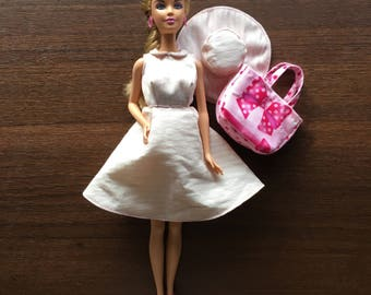 Barbie Doll in fashion complete look