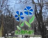 Fused Glass Flower Suncatcher, Spring and Summer Stained Glass Suncatcher,  Blue Fused Glass Flowers, Spring Sun Catcher, Garden Art