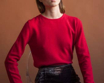 2 ply cashmere red sweater / simple red sweater / s / m / 2250t / B20