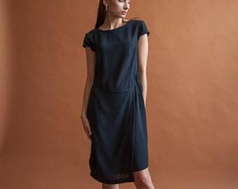dark navy blue wrap dress / cap sleeve dress / s / US 6 / 2174d / B3