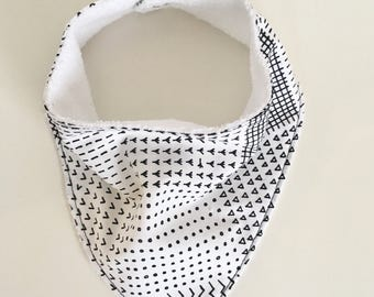 Bandana bib -black and white