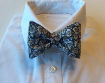 Daisy Bow Tie,Bow Tie,Floral,Wedding,Prom,Gardener,Flowers