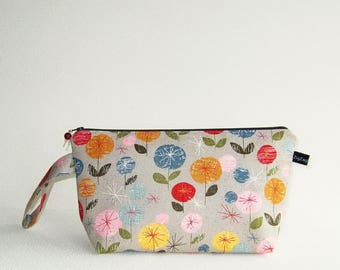 Wedge Bag, Small-Project Knitting Bag, Mon Ami Flowers