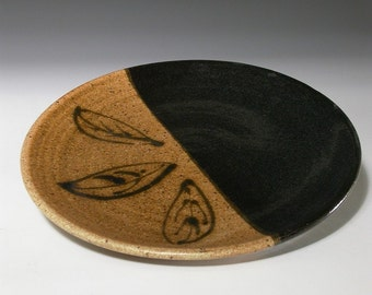 Stoneware pottery plate