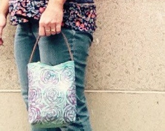tote, handbag, project bag, knitters, crocheters, quilters, bucket bag, linoprint, blockprinted, handcarved, hand dyed