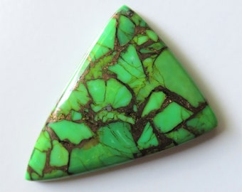 Mojave Green Turquoise - Triangle Cabochon, 54.40 cts - 35x47 (MT110)