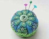 Miniature Pincushion, Blue Green Daisy