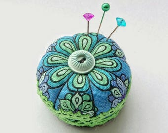 Miniature Pincushion, Blue Green Daisy