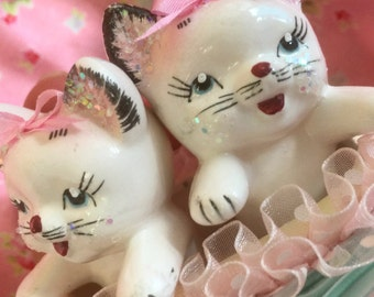 Vintage Kittens in a Basket.. Gift Box.. Sweet for Blythe.. American Girl Dolls..Dollhouse.. Doll Pets