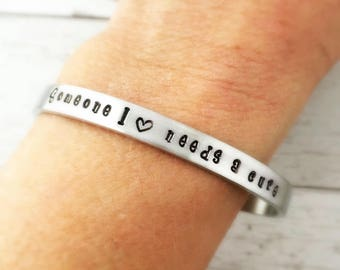T1D awareness cuff bracelet. Type 1 Diabetes Someone I love needs a cure - Type 1 Diabetes Bracelet - T1D MOM - Heart - Support Group