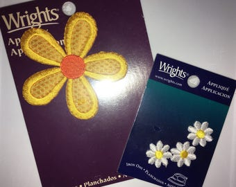 Vintage 90s Wrights Daisy Appliqués - Iron-ons 1 Large Yellow & 3 Small White
