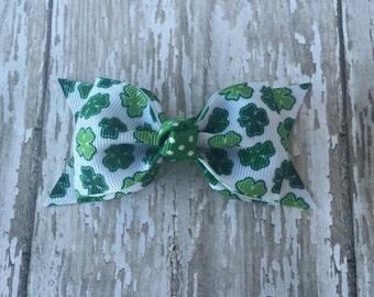 Shamrock Toddler Bow St. Patricks Day Bow Tuxedo Bow St Patricks Toddler Hair Bow 3 Inch Alligator Clip Baby Hairbow Tuxedo Bow