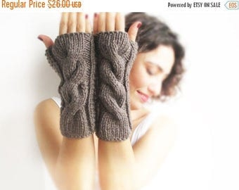 WINTER SALE Brown Cable Knit Chunky Gloves