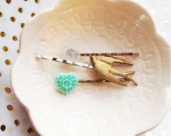 Aged shallow with vintage frosted mum cab bobby pin set
