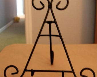 Black Metal Easel Stand Scrollwork Design for Frames Art Photo Books Plates Retail Displays
