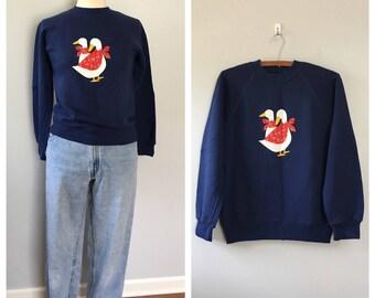 Vintage navy blue novelty print sweatshirt / country ducks sweatshirt / kitschy souvenir sweatshirt