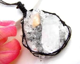 Apophyllite Necklace / Stillbite necklace / Crystal Necklace / Healing crystals / crystal necklace / Healing gemstones / Crystal necklace