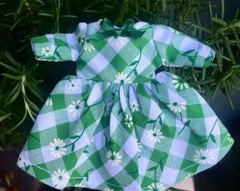 Fiddler's Green dress for blythe