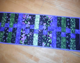 "15"" x 38"" table runner"