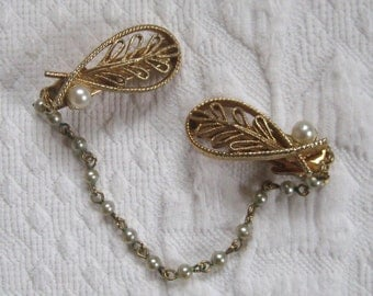 sweater clip . leaf shaped sweater clip. pearl sweater clip . double brooch