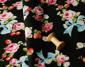 4449 - Japanese Bowknot Floral Strawberry Cotton Fabric - 57 Inch (Width) x 1/2 Yard (Length)