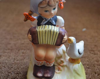 Vintage ArnArt 5th Avenue Hand Painted Figurine - Girl with Accordion and Duck 2622