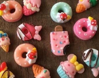 10 Pieces Food Flat Back Cabochons Mixed Doughnut Kawaii Mini Deco Decoden Scrapbook Acrylic Cupcakes Sundaes Resin