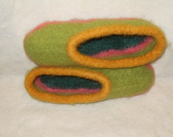 wool knit  felted slippers  size 7-8 Fiesta green lime yellow pink