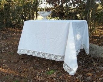Vintage White Lace Trimmed Tablecloth 50x70 White Lace Tablecloth  Wedding Decorations Table Decor Cottage Chic Prairie Lace Table Cloth
