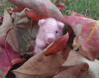 Adorable Pig Needle Felted Pocket PeMiniature Birthday Christmas Lovinclaydolls Lisa Haldeman Doll
