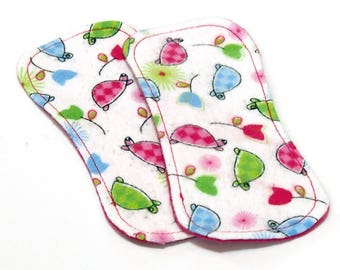 Reusable Cloth ULTRATHIN lay-in wingless pantyliners - Set of 2 in cotton flannel - Pastel Turtles