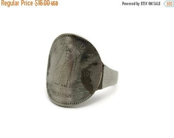 SALE Vintage Coin Ring - Souvenir Coin Jewelry 1980s