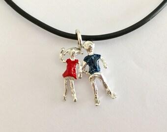 Beautifull pendant! Peolple!